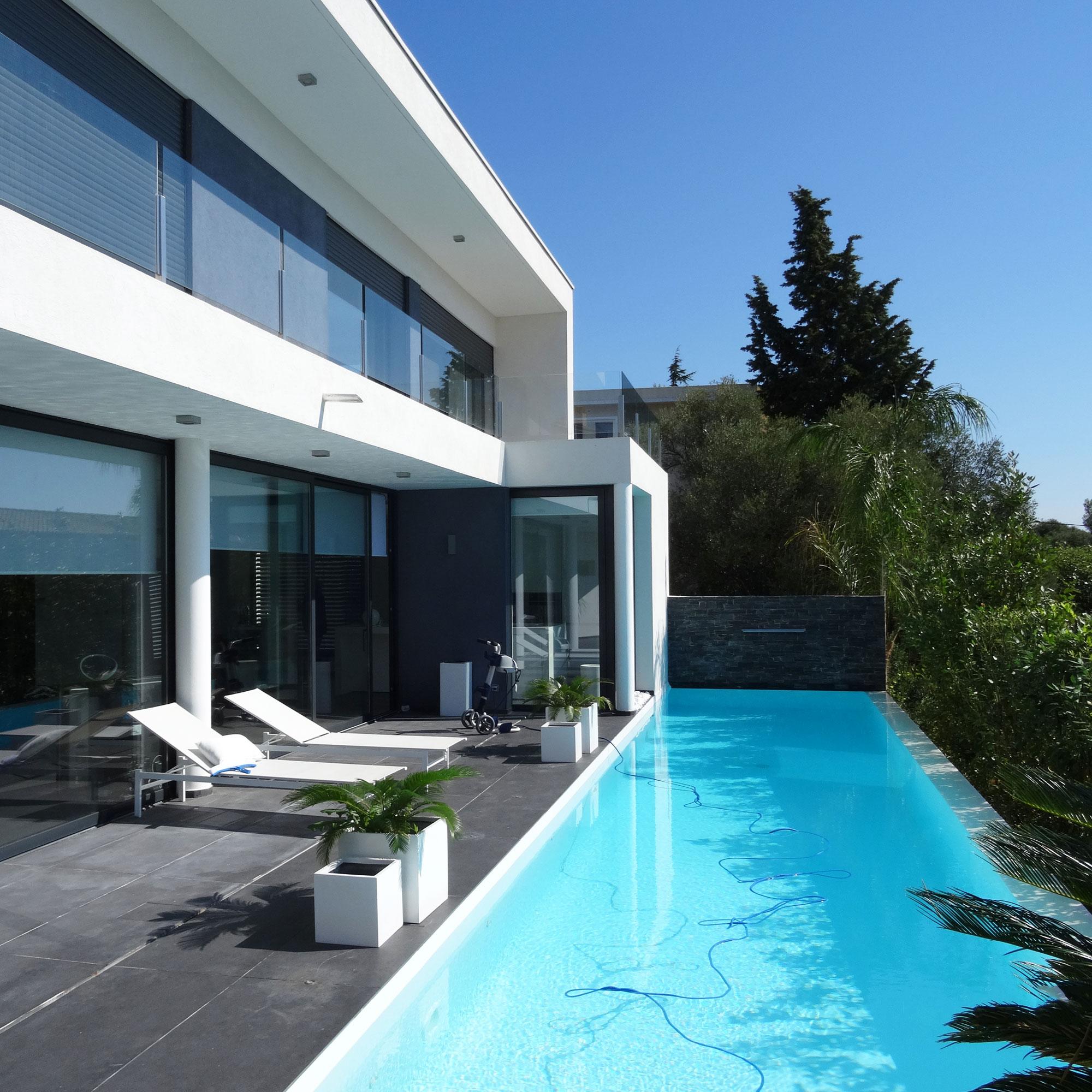 Cr ation et r alisation d 39 une maison contemporaine avec for Maison moderne 83